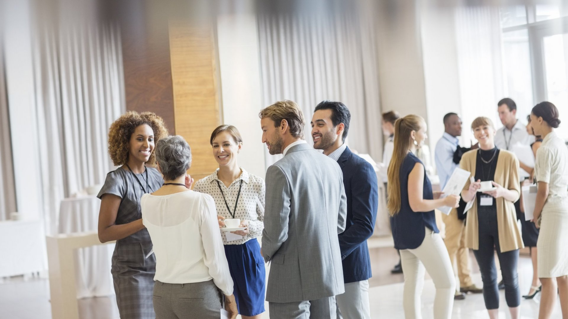 How to Build Rapport With Anyone at Networking Events