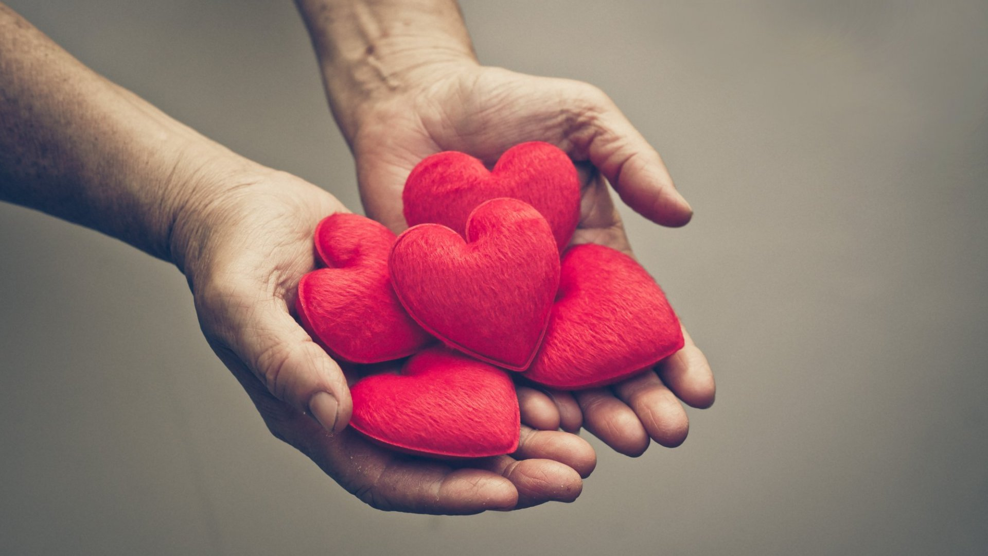 Science Reveals 11 Reasons Compassion at Work Matters (Just In Time for World Kindness Day)
