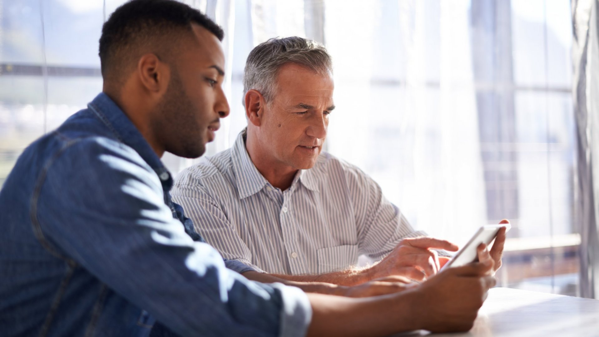 Good mentors do more than just motivate, they help drive results and business growth.
