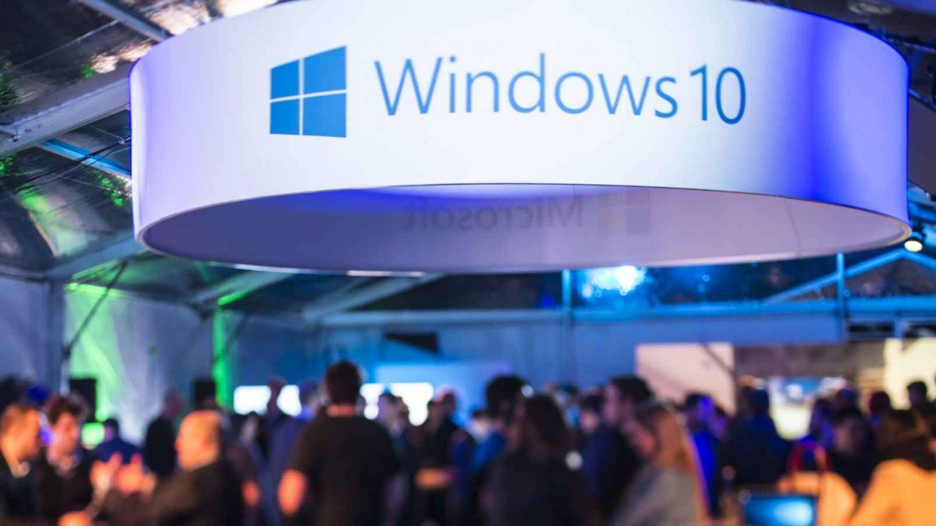 Is Microsoft Facing Disaster in Windows 10 Adoption?