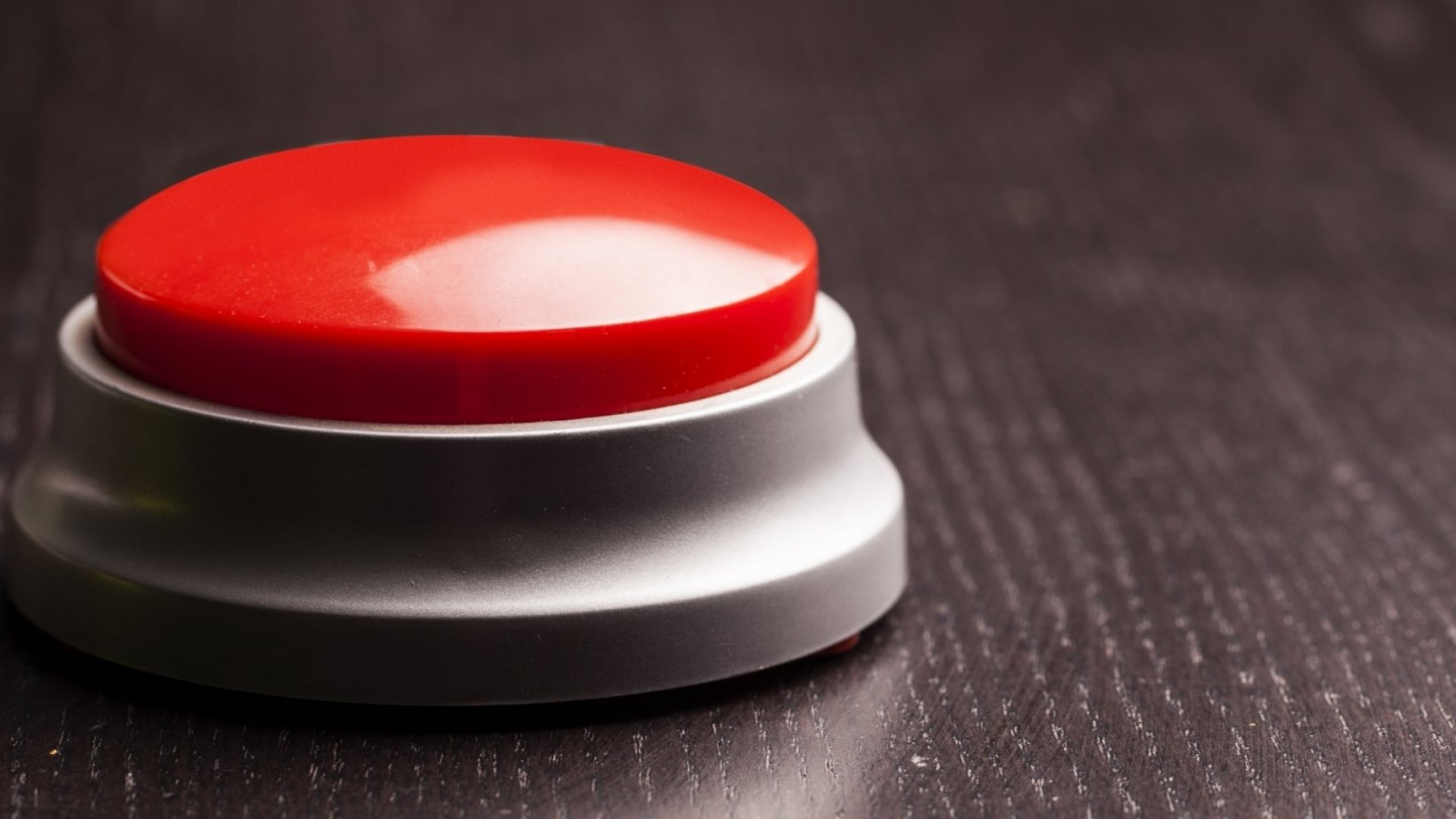 5 Things People With Emotional Intelligence Do When Their Buttons Are Pushed