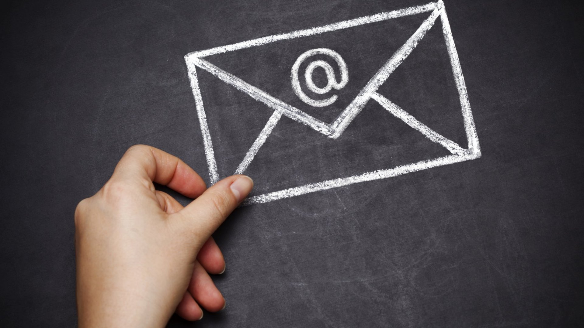 Here's What Your Favorite Authors Can Teach You About Writing Emails