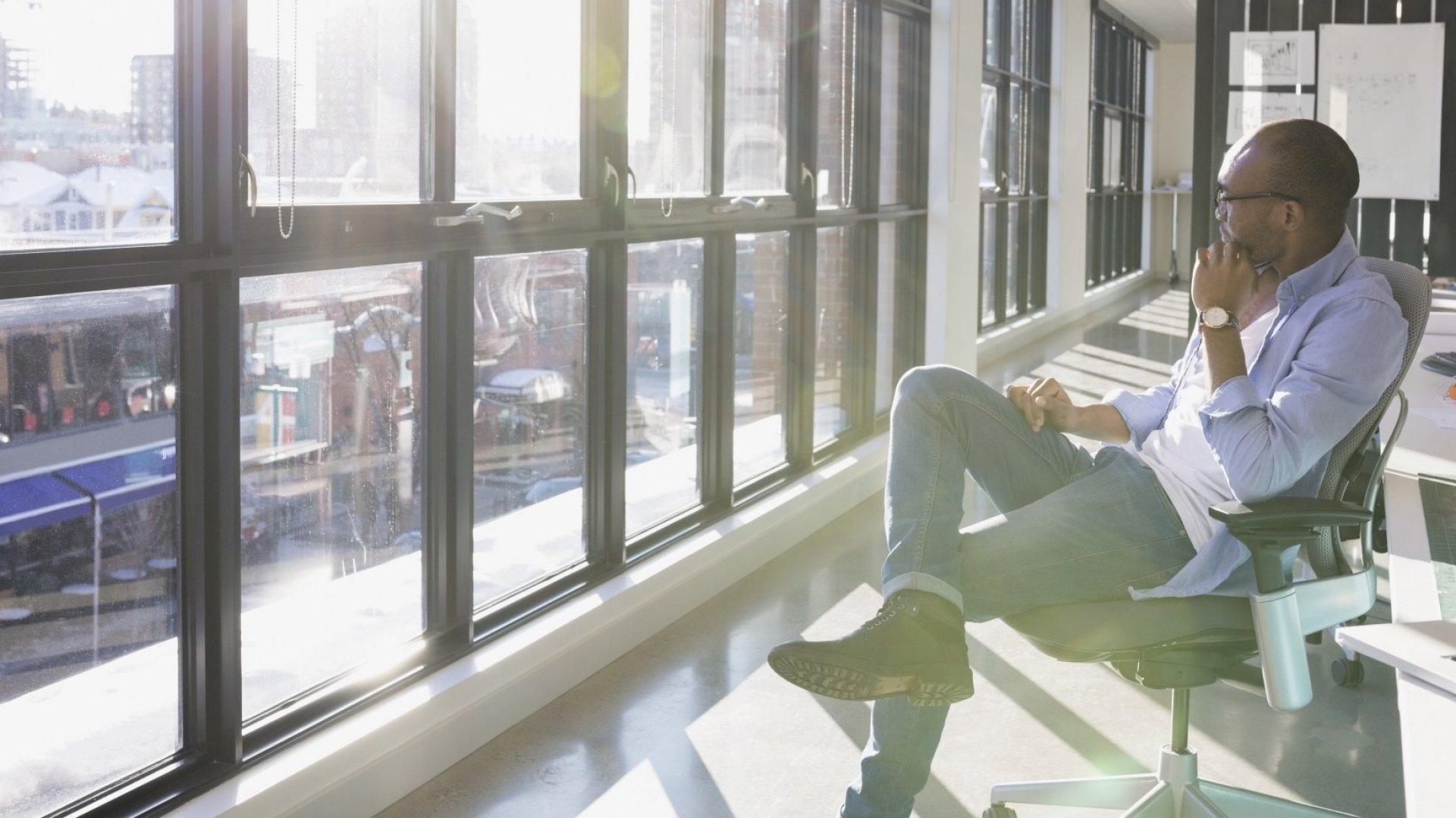 If You Crave Time Alone, You're Probably Much Smarter Than You Think