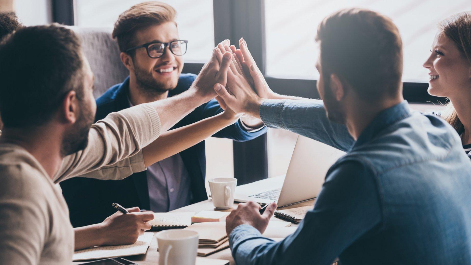 16 Wonderful Gift Ideas for Employee Appreciation Day