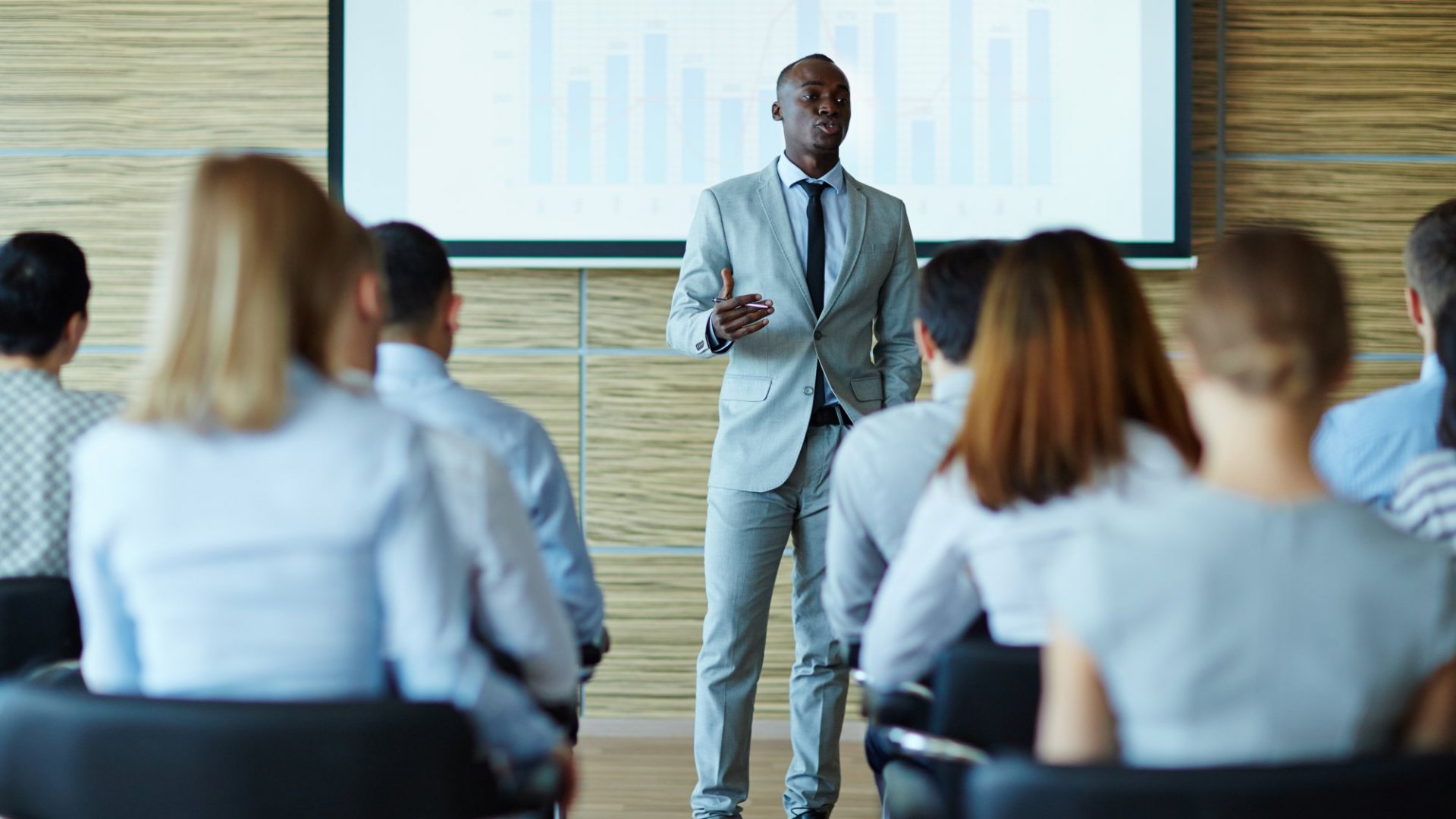 If You Want Your Next Presentation to Lead to the Decision You Want, Do These 6 Things