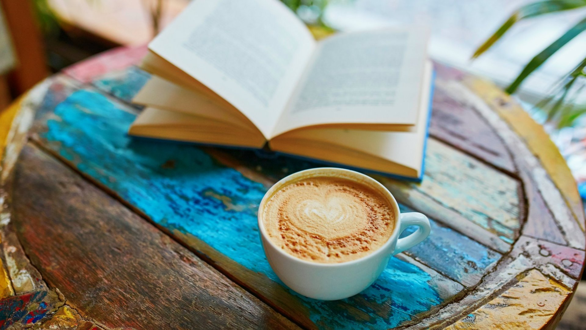 The Books That Top Leaders Read Might Surprise You--Here's the Lowdown on Literature