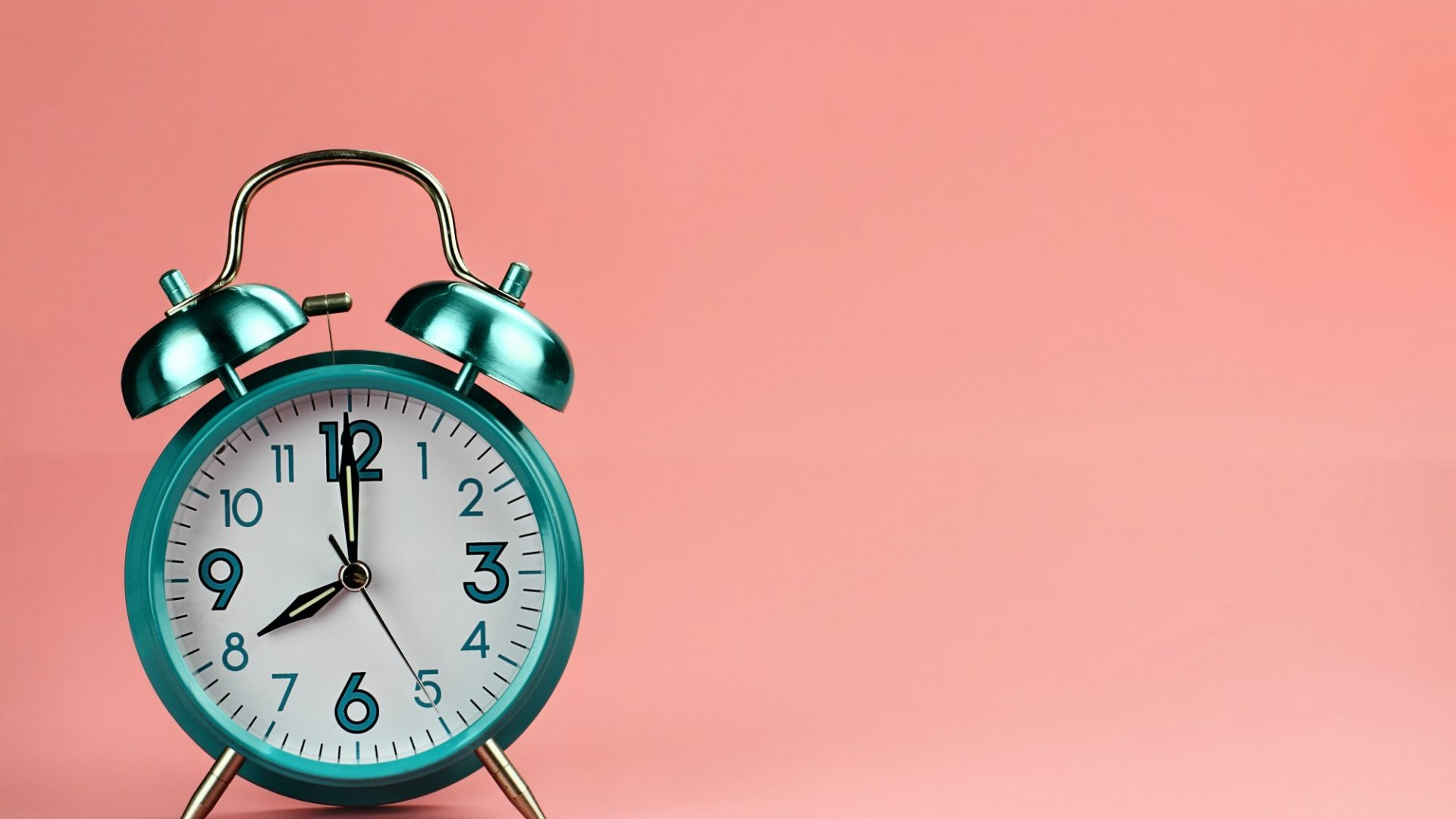 The Painless Way to Add an Extra Hour to Every Day (It's Really Easy, But You Have to Do It This Weekend)