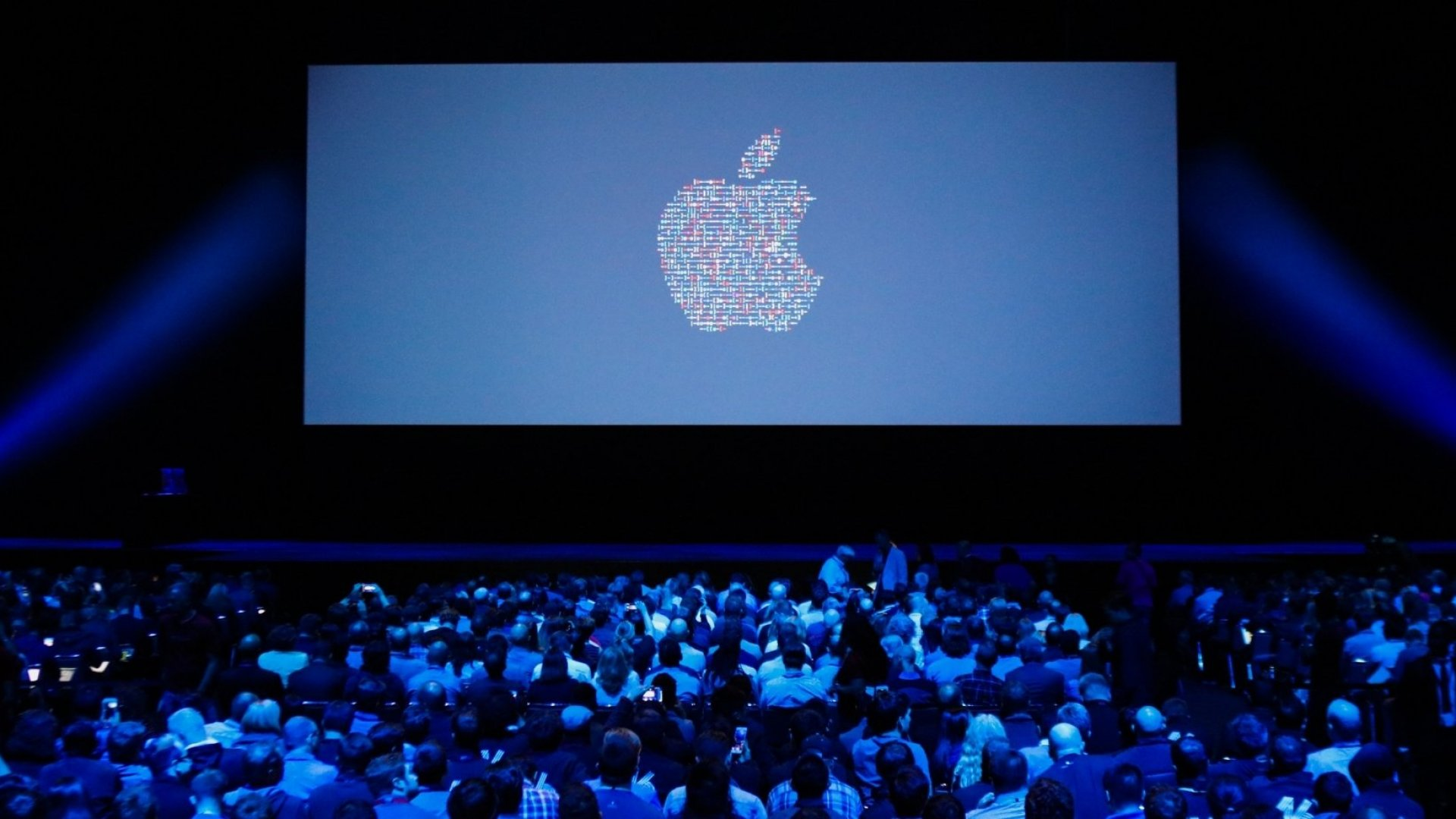 Apple Rivals Google and Facebook With Low-Key Artificial Intelligence Push