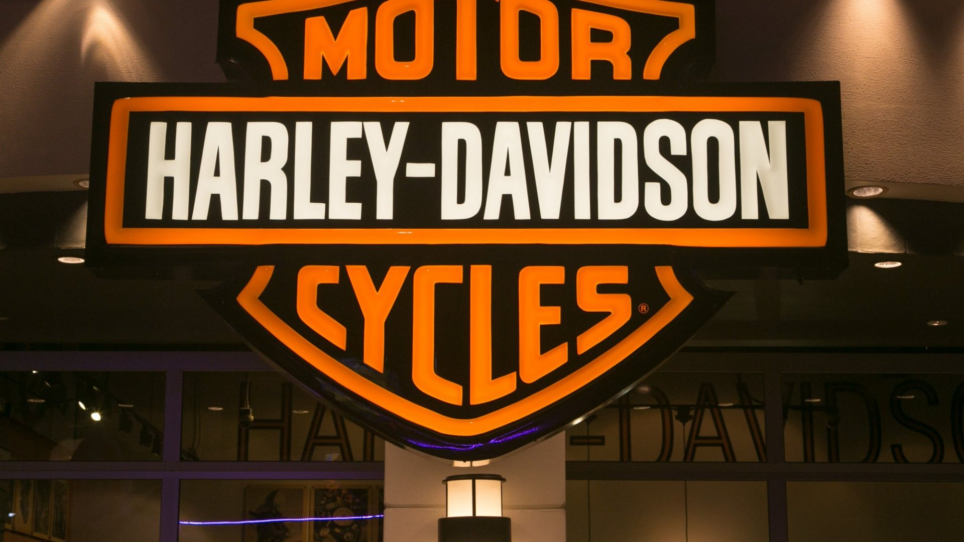 Harley-Davidson Pulls Off Marketing Stunt Ride With an Entire Town
