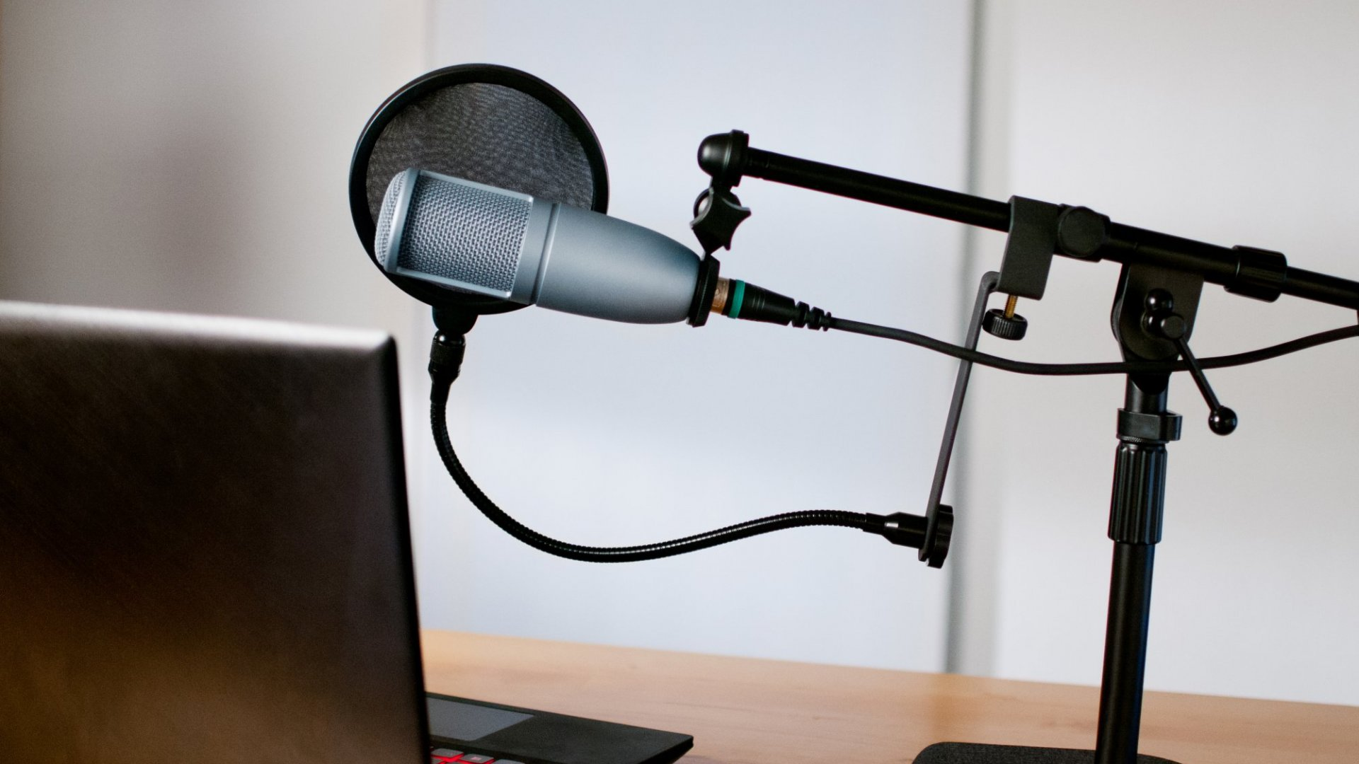 9 Essential Podcasting Lessons to Make Your First Year a Hit