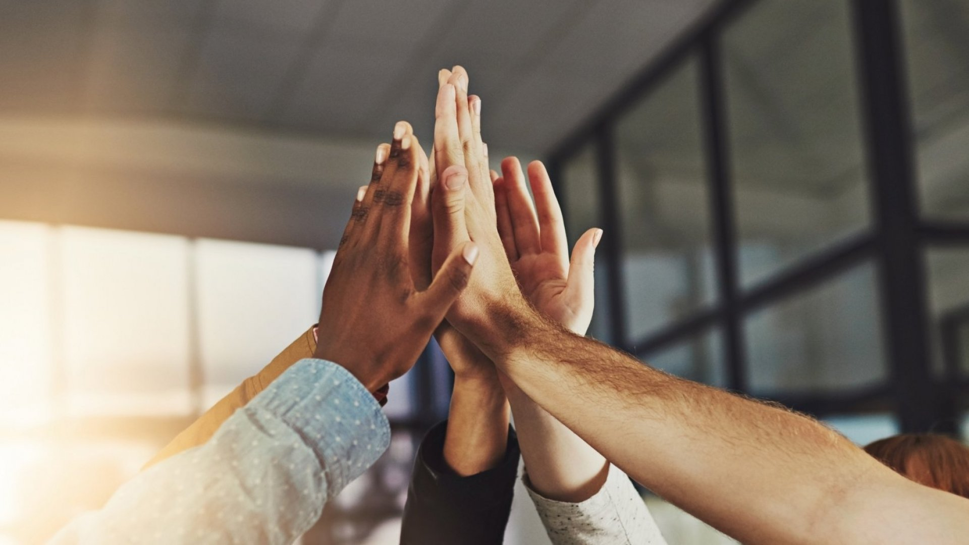 6 Low-Cost Ways to Motivate Your Small Team