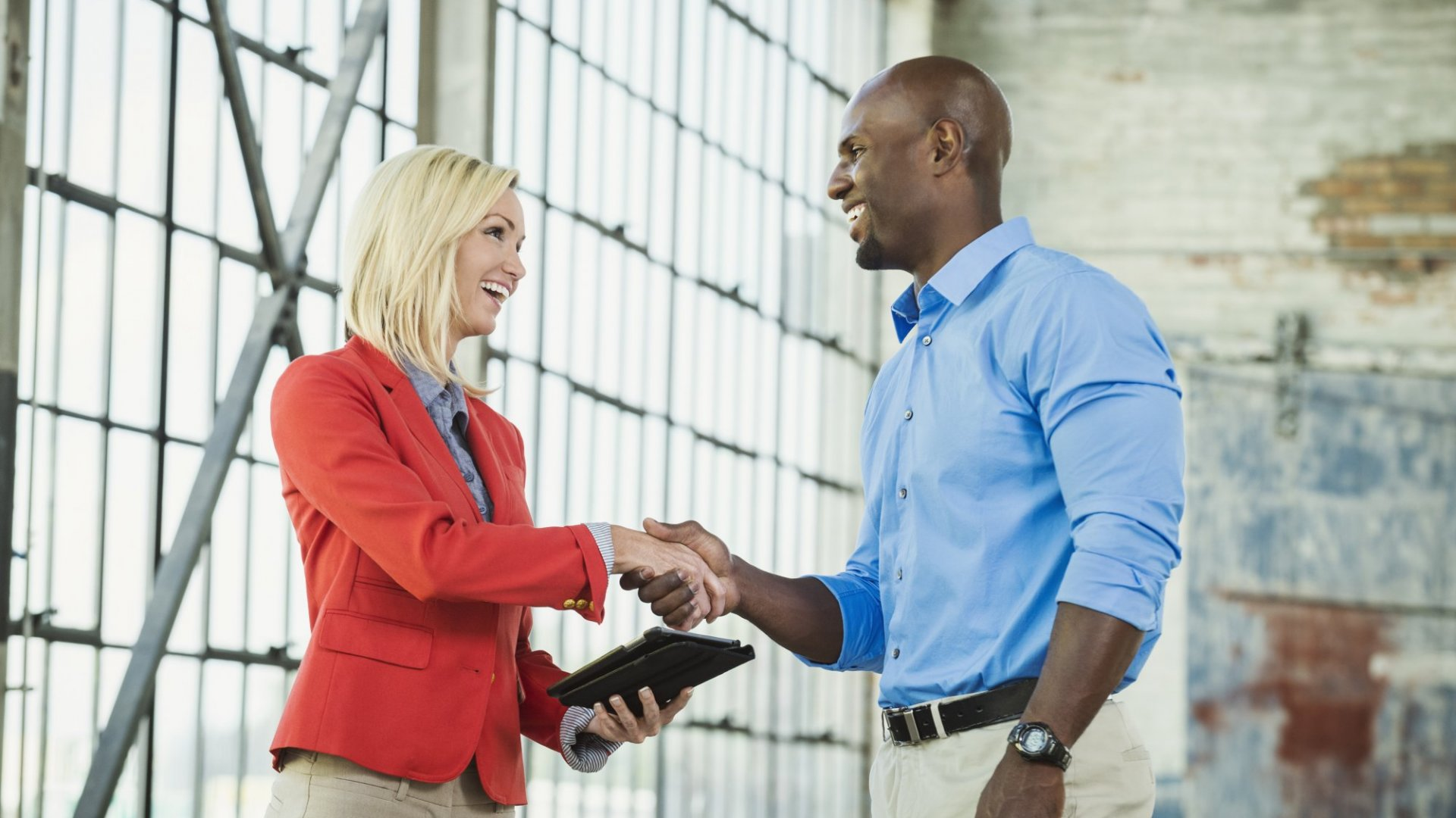 9 Things Successful People Do When They Meet Someone