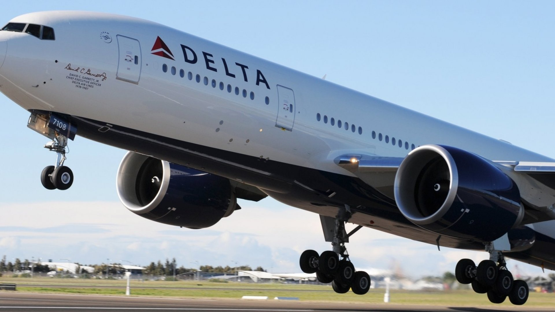 Delta Just Made a Stunning, Passenger-Friendly Announcement That Puts Other Airlines to Shame