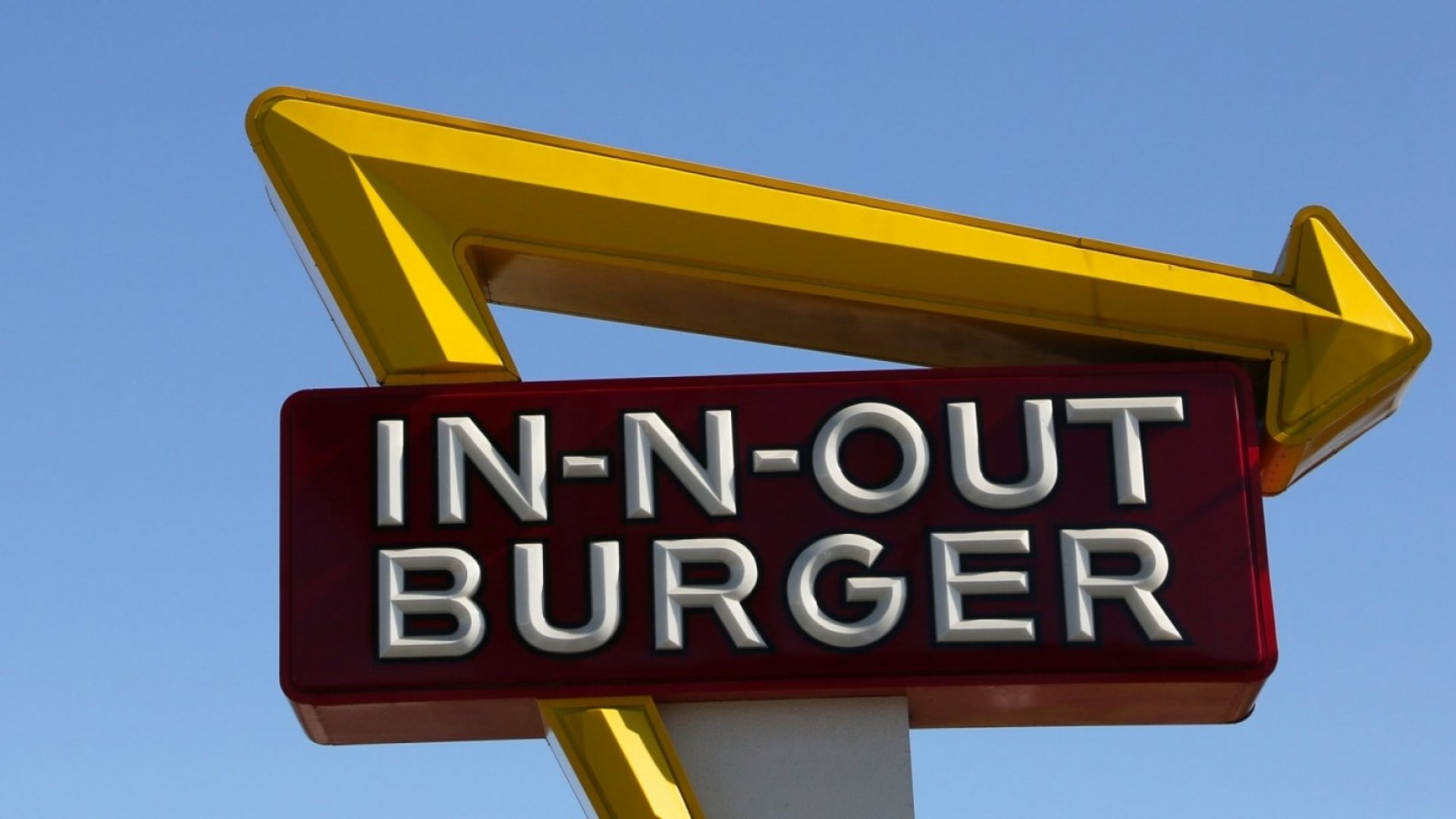 In-N-Out Burger Now Faces a Truly Insane Problem That Almost No Other Company Has to Deal With. (And It Keeps Popping Up)