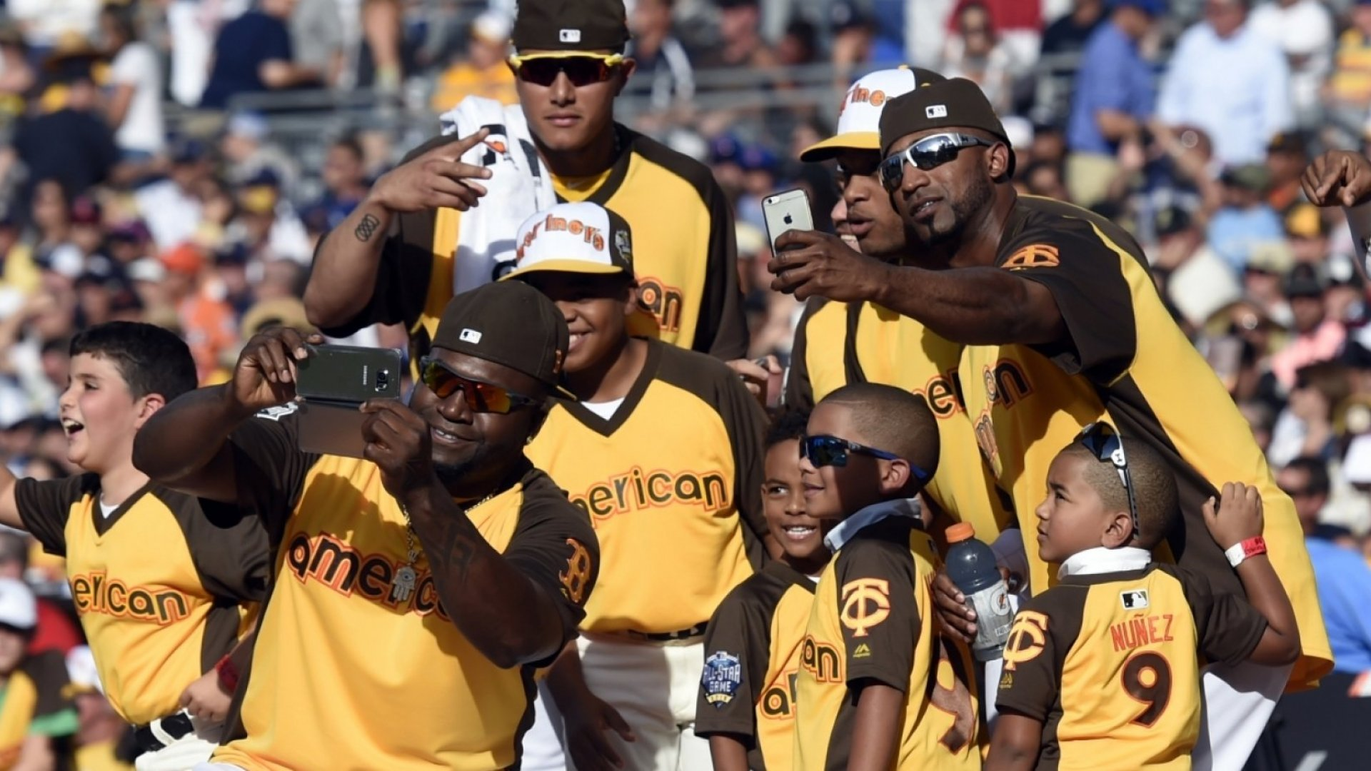 These 10 MLB Players Hit It Out Of The Park With Social Media