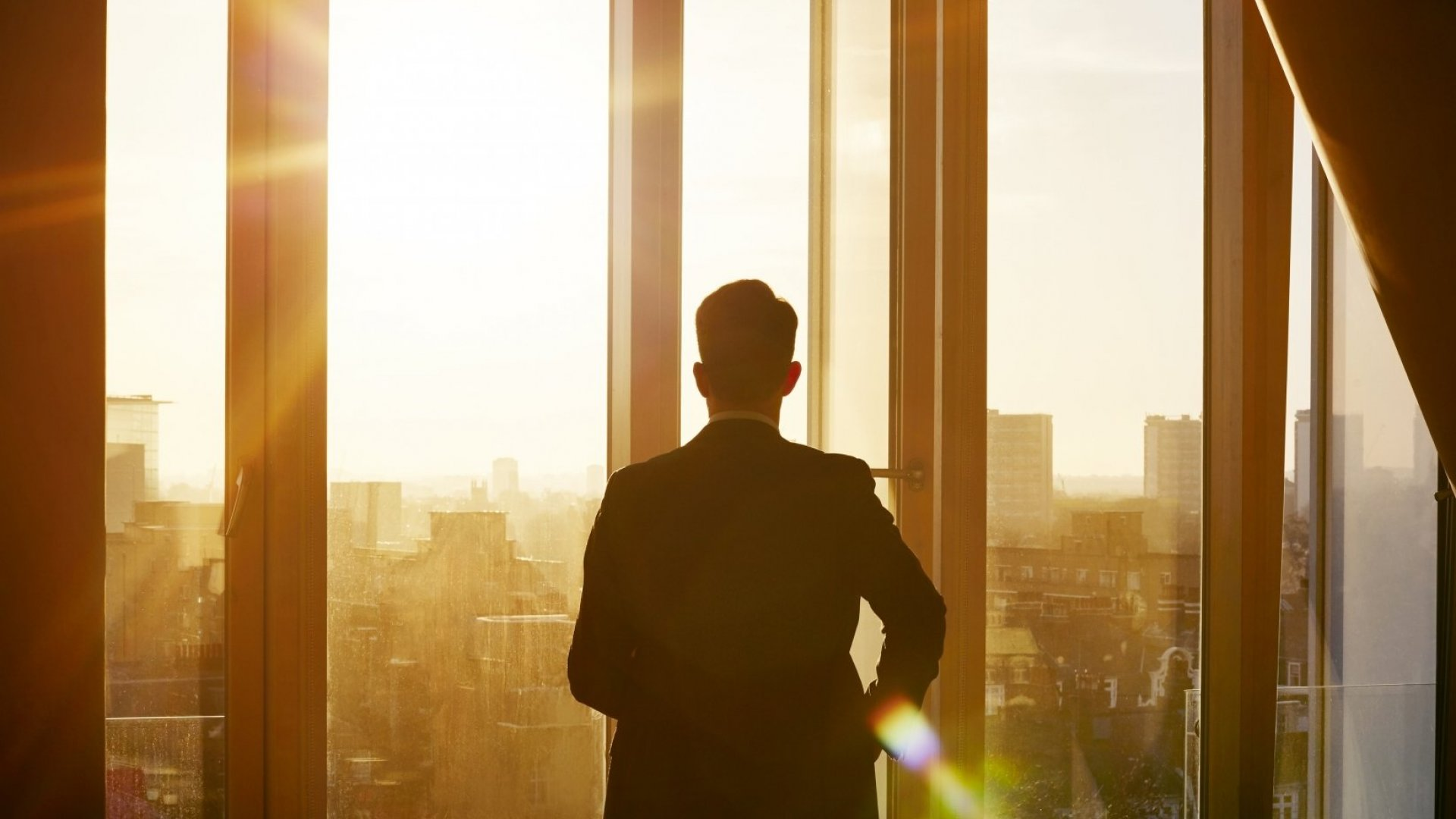 15 Crucial Tips All Leaders Need to Know Now