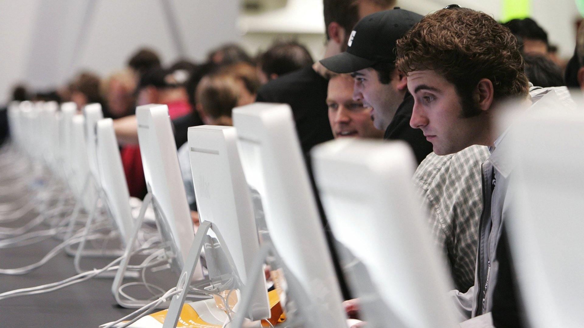 Apple Defies Industry Tends as Mac Sales Continue to Rise