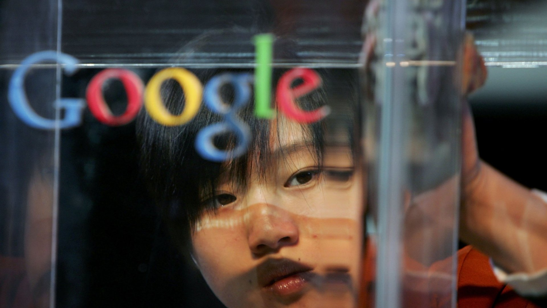 How Will Google Shopping Compete With Amazon? With Sci-Fi Warehouses Run With Almost No Humans