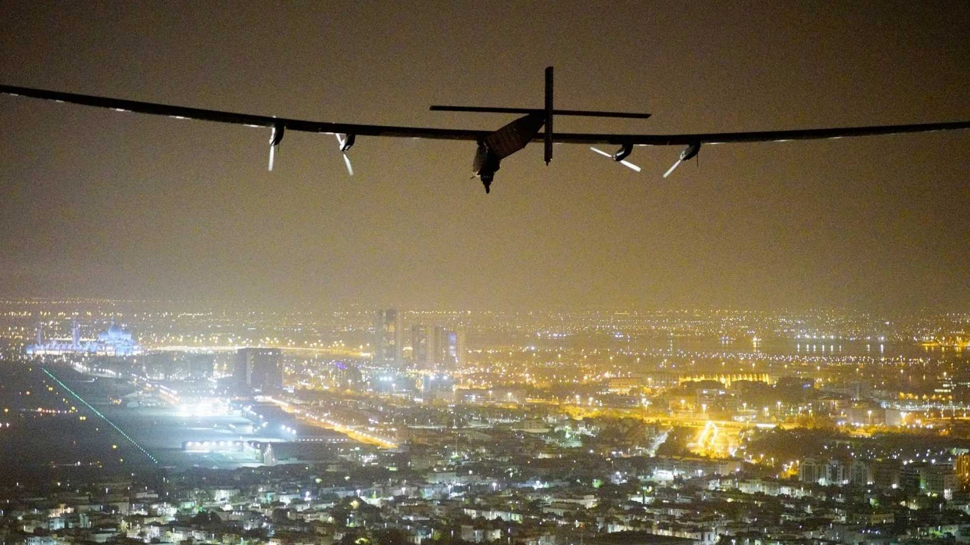 This Solar-Powered Plane Has Something Incredible Up Its Sleeves for Businesses