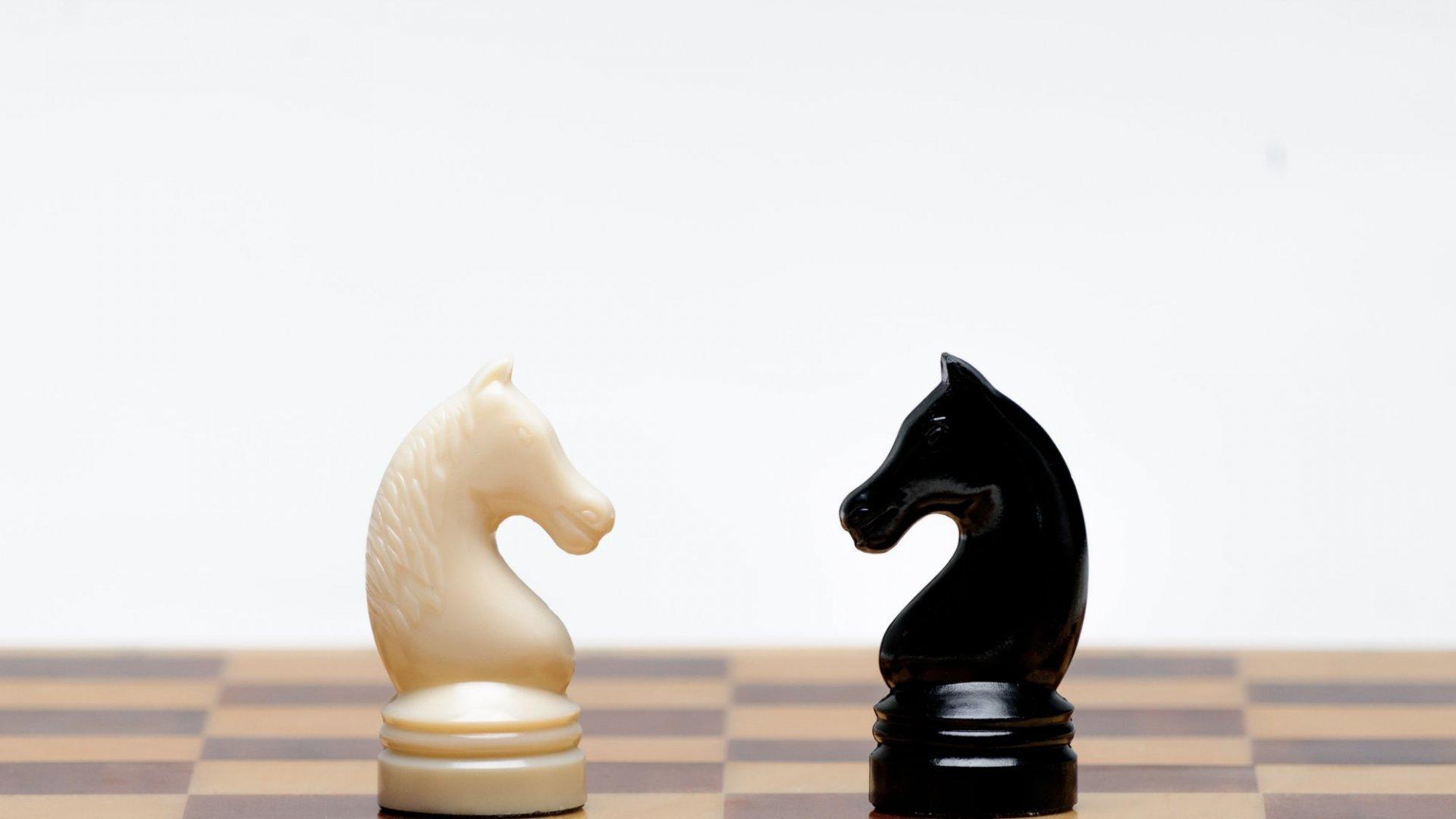 4 Easy Ways to De-Escalate Workplace Conflict