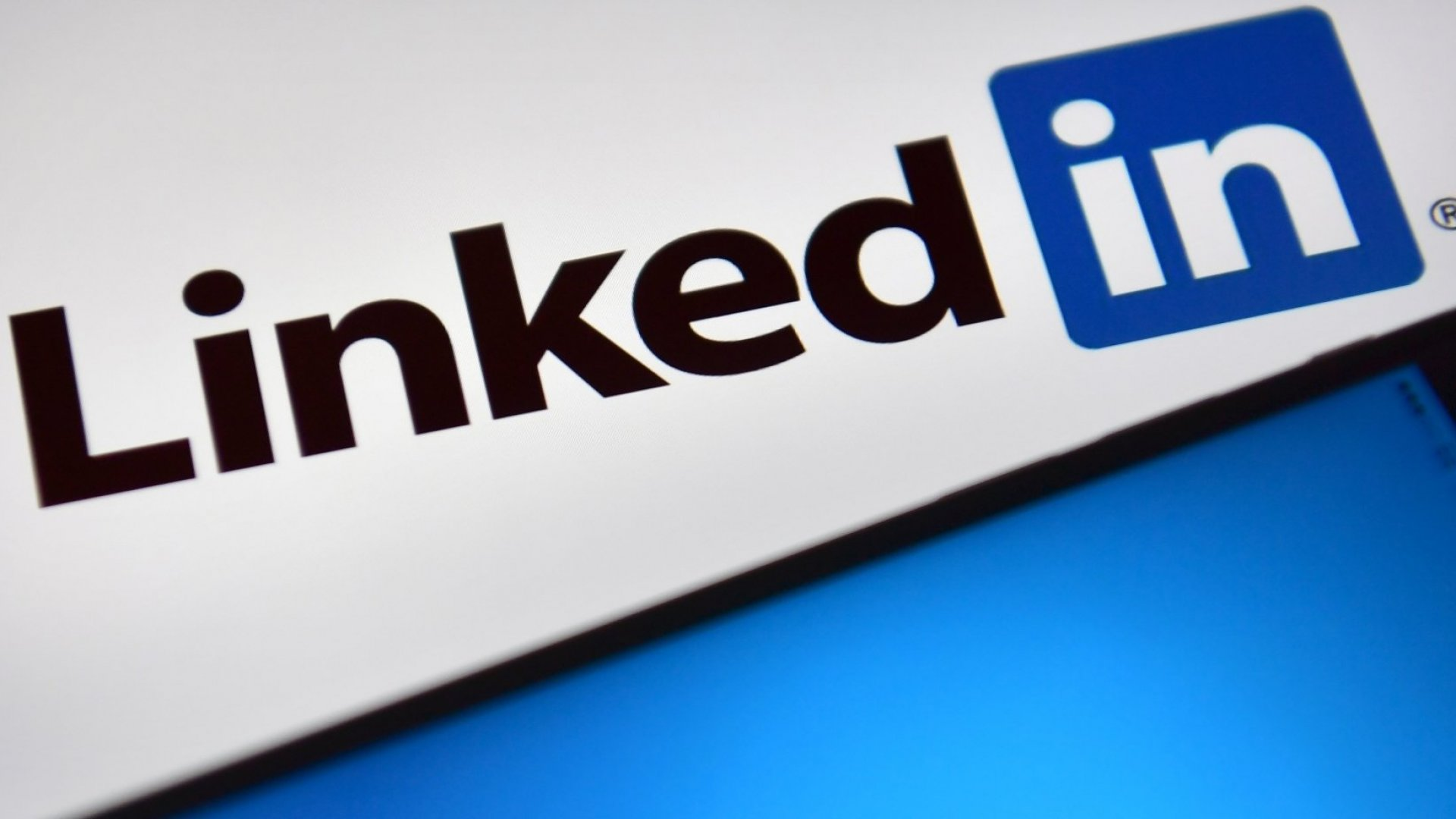 How to Write LinkedIn Posts that People Will Like (and Share)