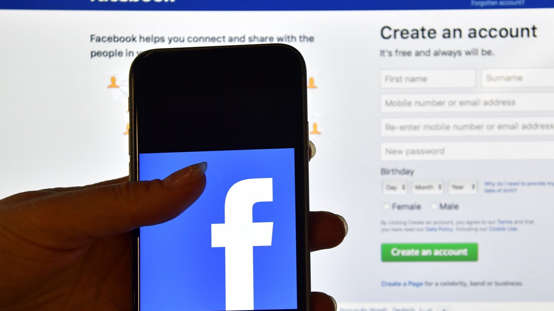 Facebook Meets the Danger of Automation: Russian Political Ads