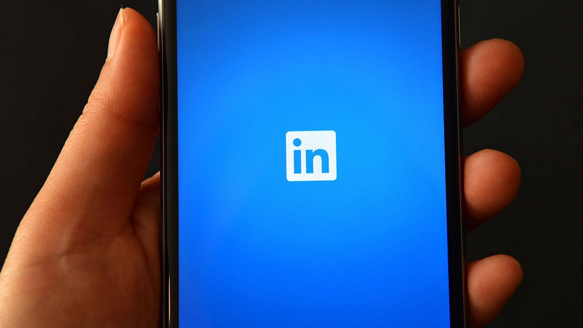 This Common LinkedIn Mistake Could Be Fatal to Your Brand. Do This Instead