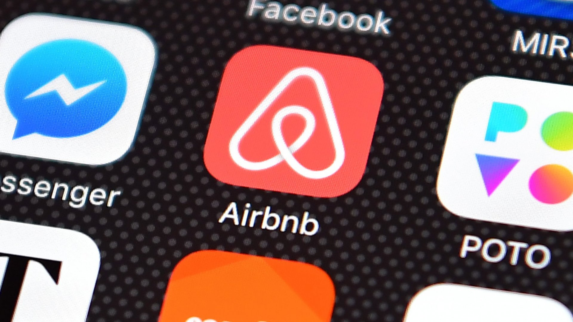 An Airbnb Host and Former Amazon Executive is Offering Mock Amazon Interviews in Seattle for $4,600