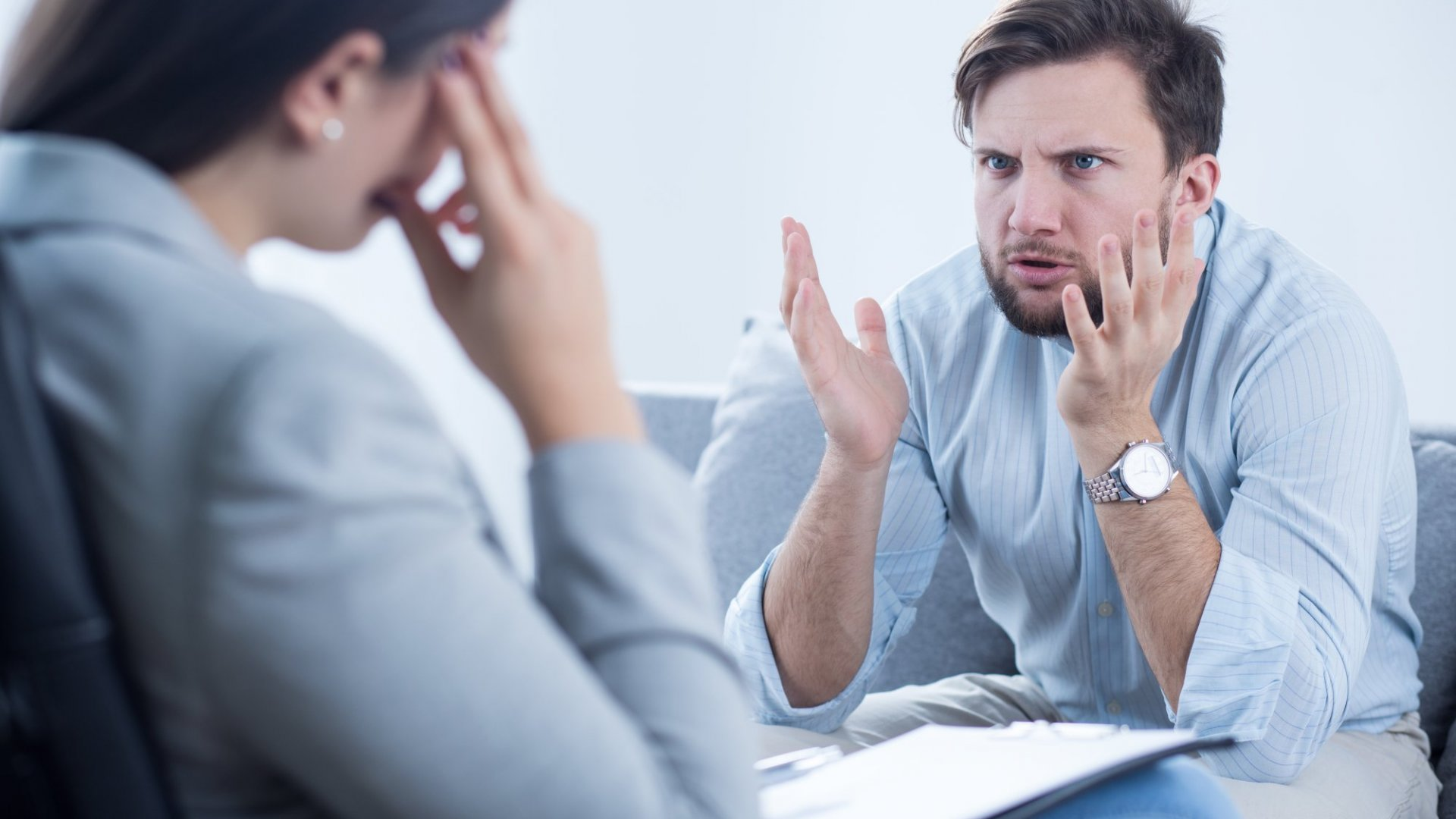 A Simple 3-Step Guide to Deal With a Co-Worker Who Complains Too Much