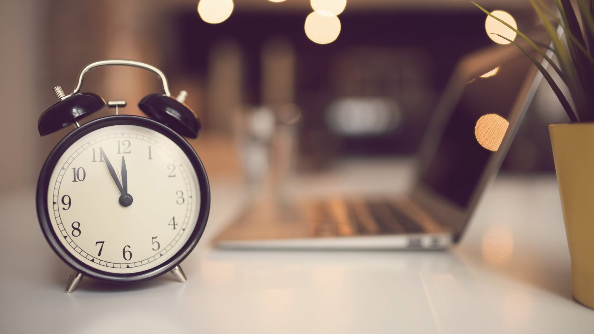 6 Smart Things Super-Productive People Do to Stay That Way