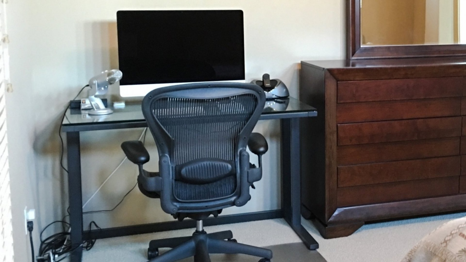 A Beginner's Guide to Working From Home Without Driving Yourself and Your Family Crazy