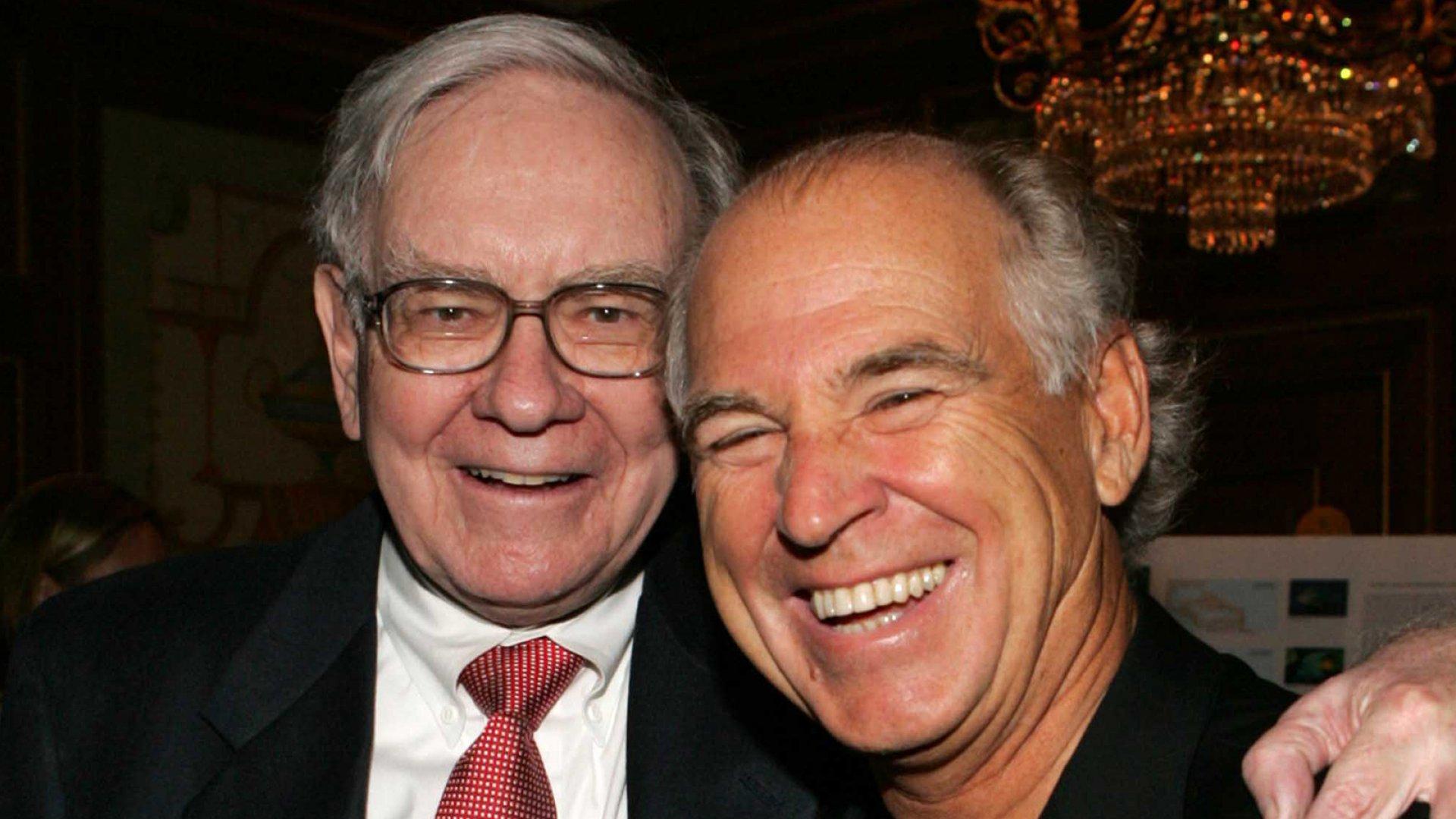 Warren Buffett (left) and Jimmy Buffett.