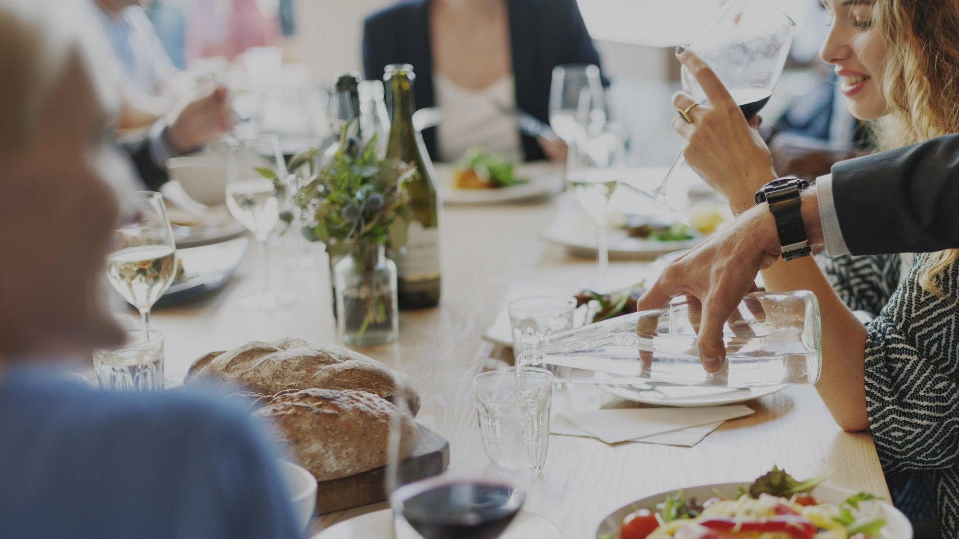9 Ways to Make Networking Dinners Anything But Boring