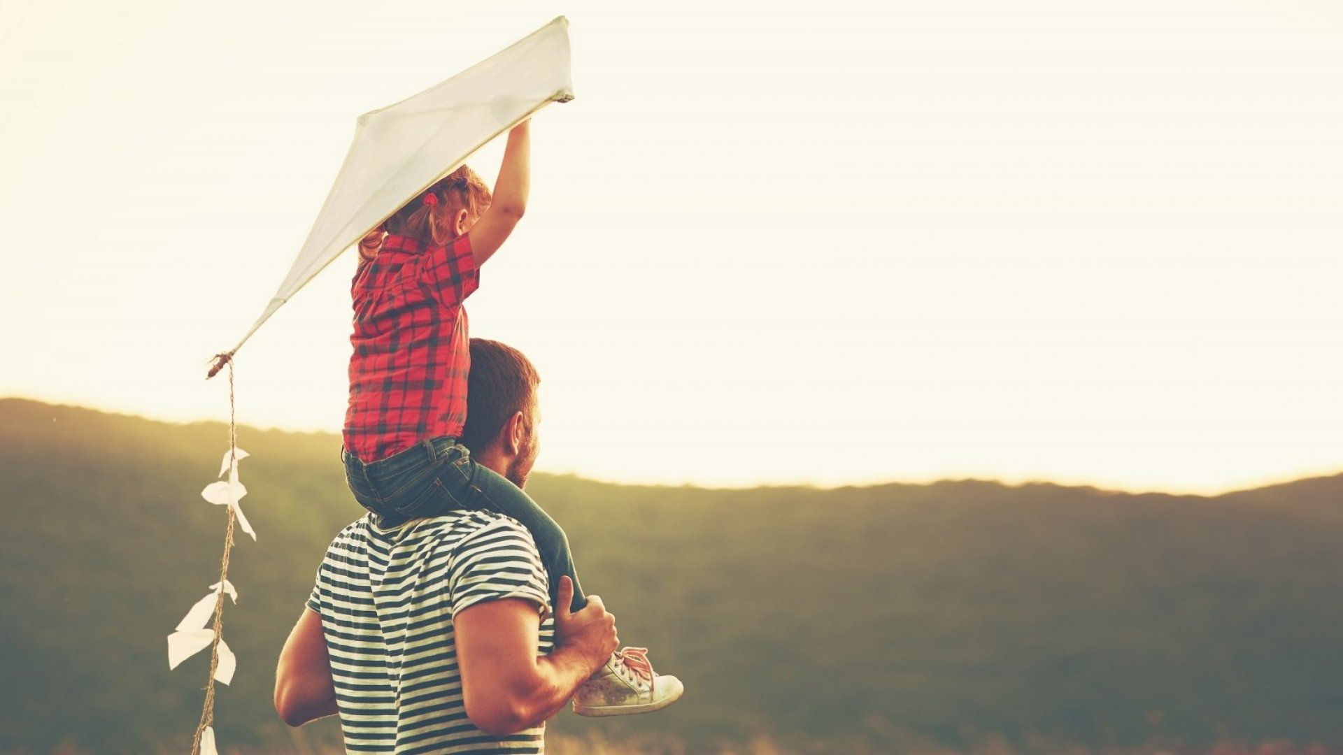 The Most Successful Kids Have Parents Who Give Them These 10 Things