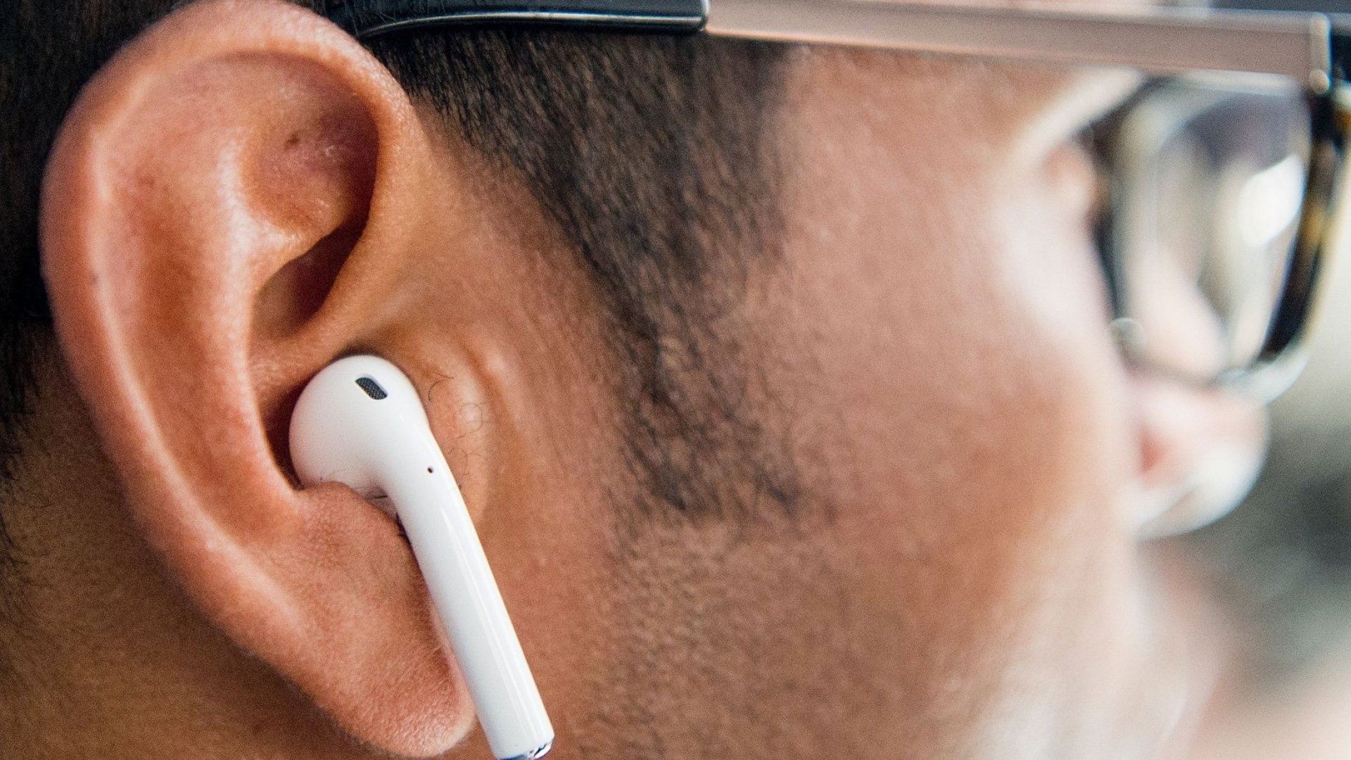 Why Apple Is Having Such a Difficult Time Releasing Its AirPods