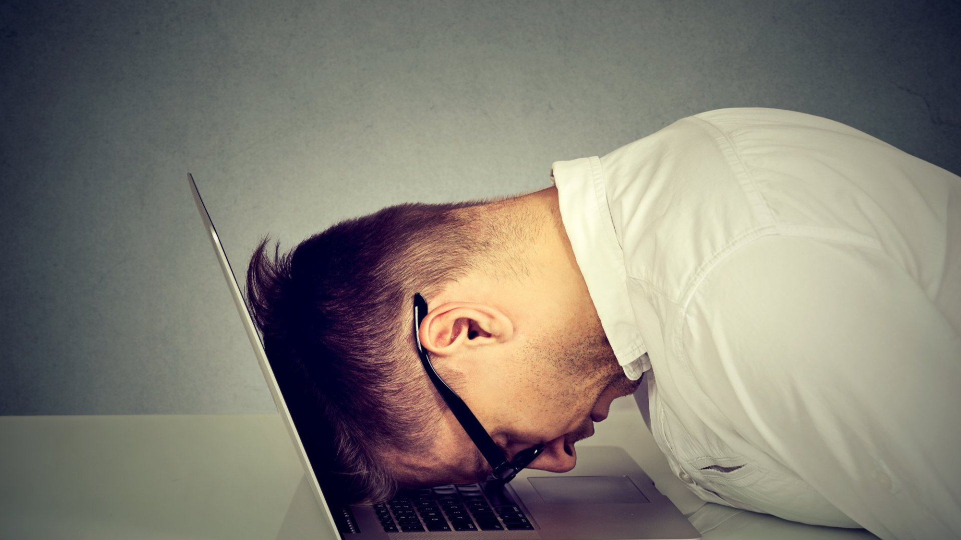 5 Expert Strategies to Avoid Burnout With Your Side Gigs