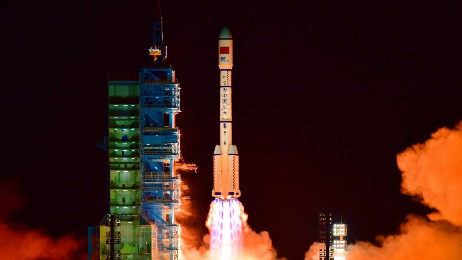 Out-of-Control Chinese Space Station to Hit Earth This Weekend in 'Shower of Fireballs'