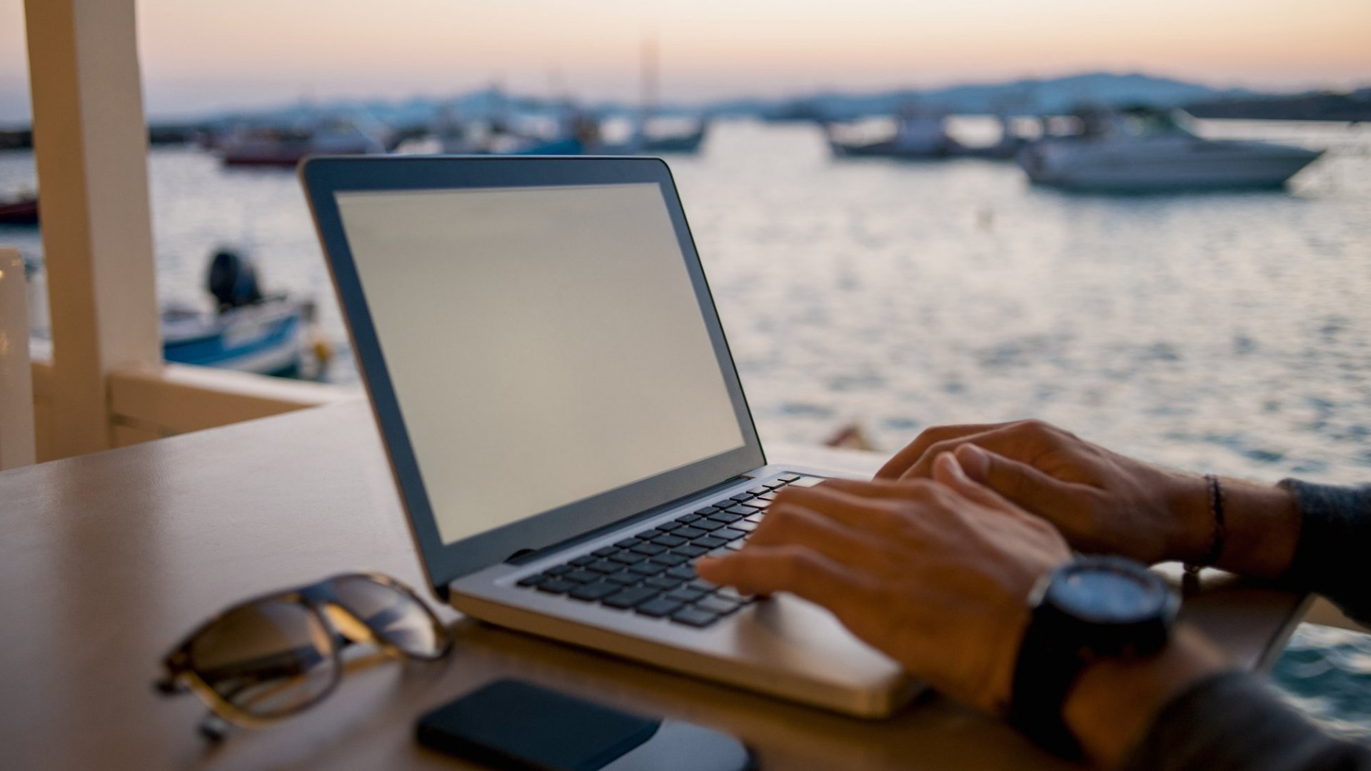 3 Tips to Manage a Startup from Anywhere (Even Bali)