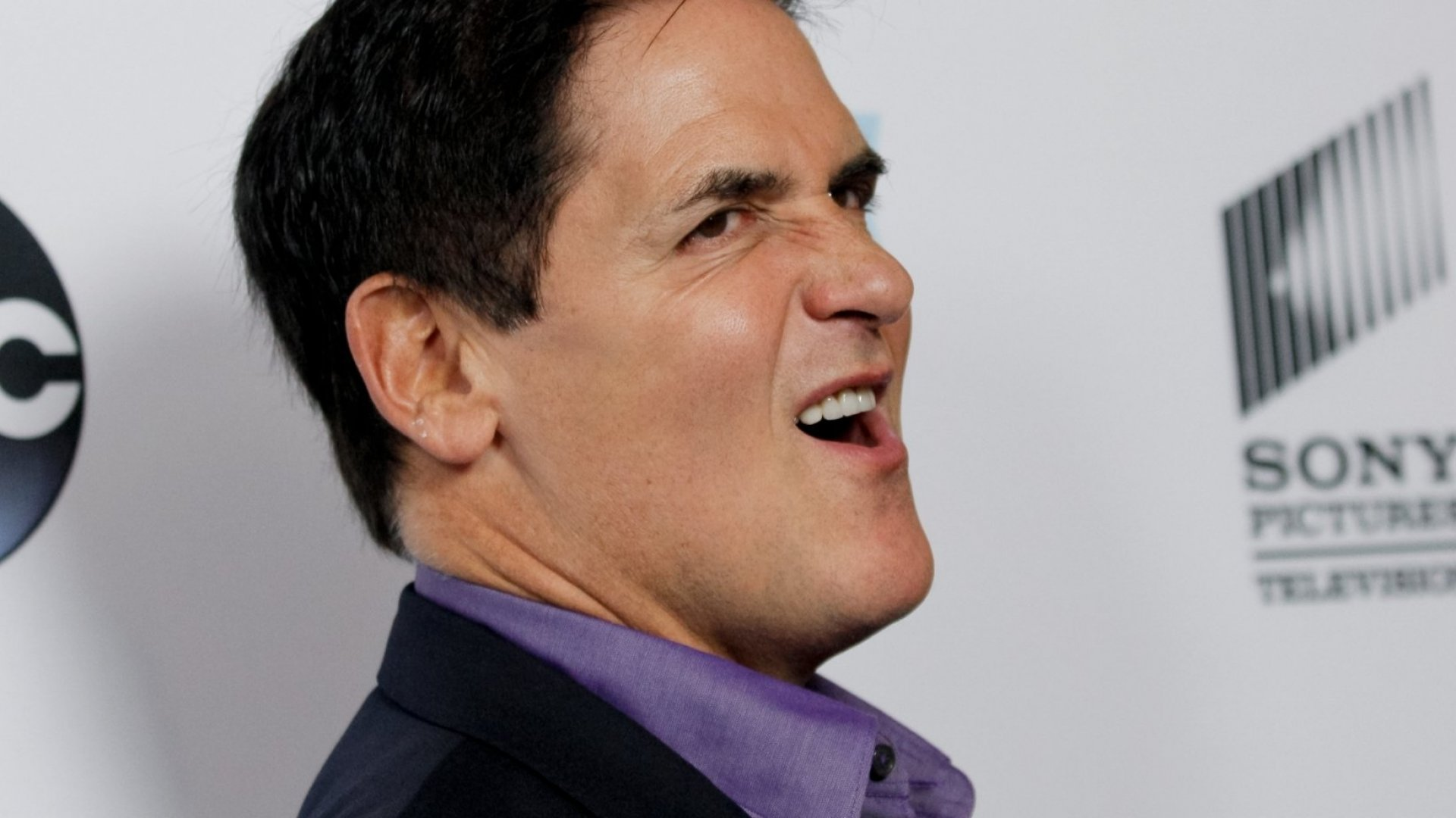Mark Cuban Weighs in on NFL Controversy: 'If You Want to Keep Sports and Politics Separate, Don't Accept Money From Anyone in Sports'