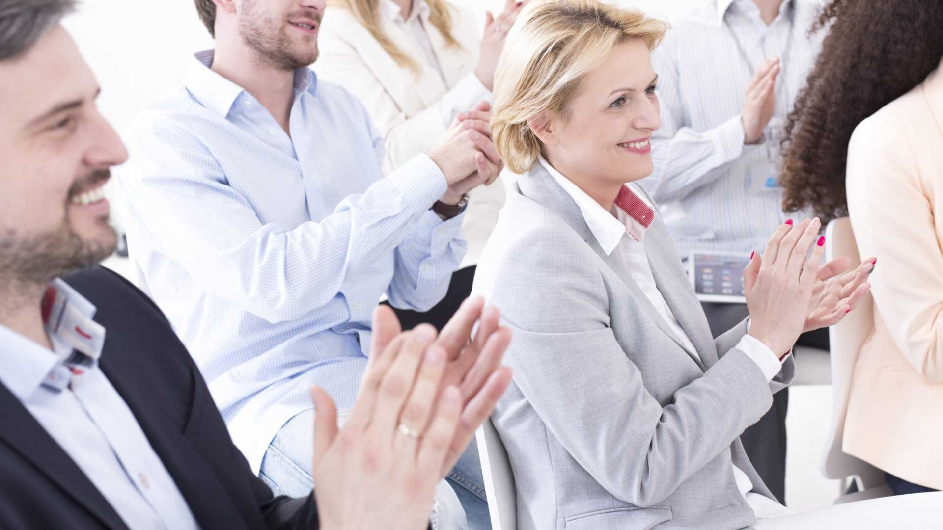 Recognize Employees for Their Hard Work With These 6 Strategies