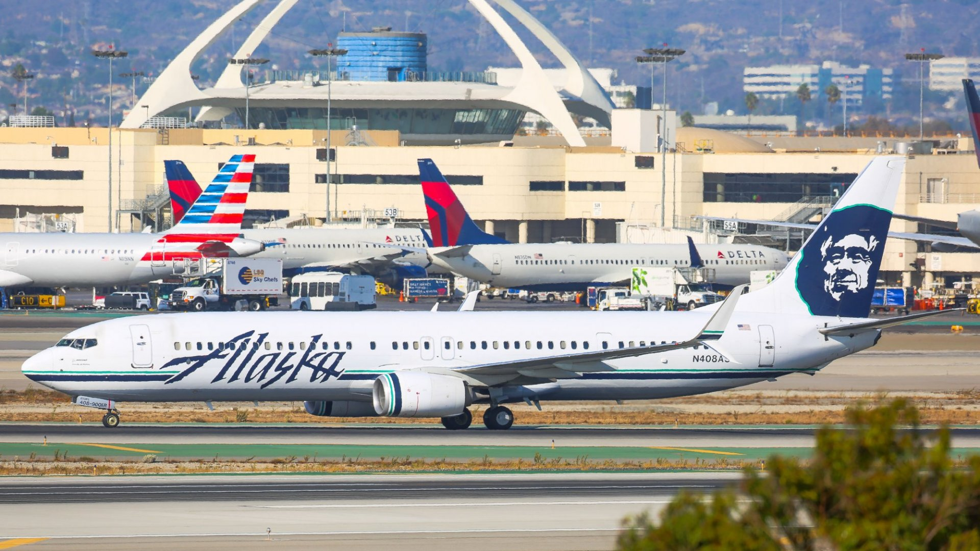 Alaska Airlines Just Announced a Plan to Do Something United, American and Delta Passengers Really Don't Like. (But Southwest Still Says No)