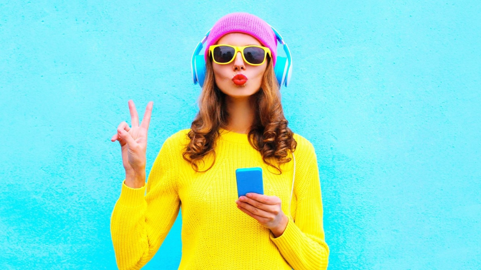 Social Media Obsession Worries Teenagers, Study Finds