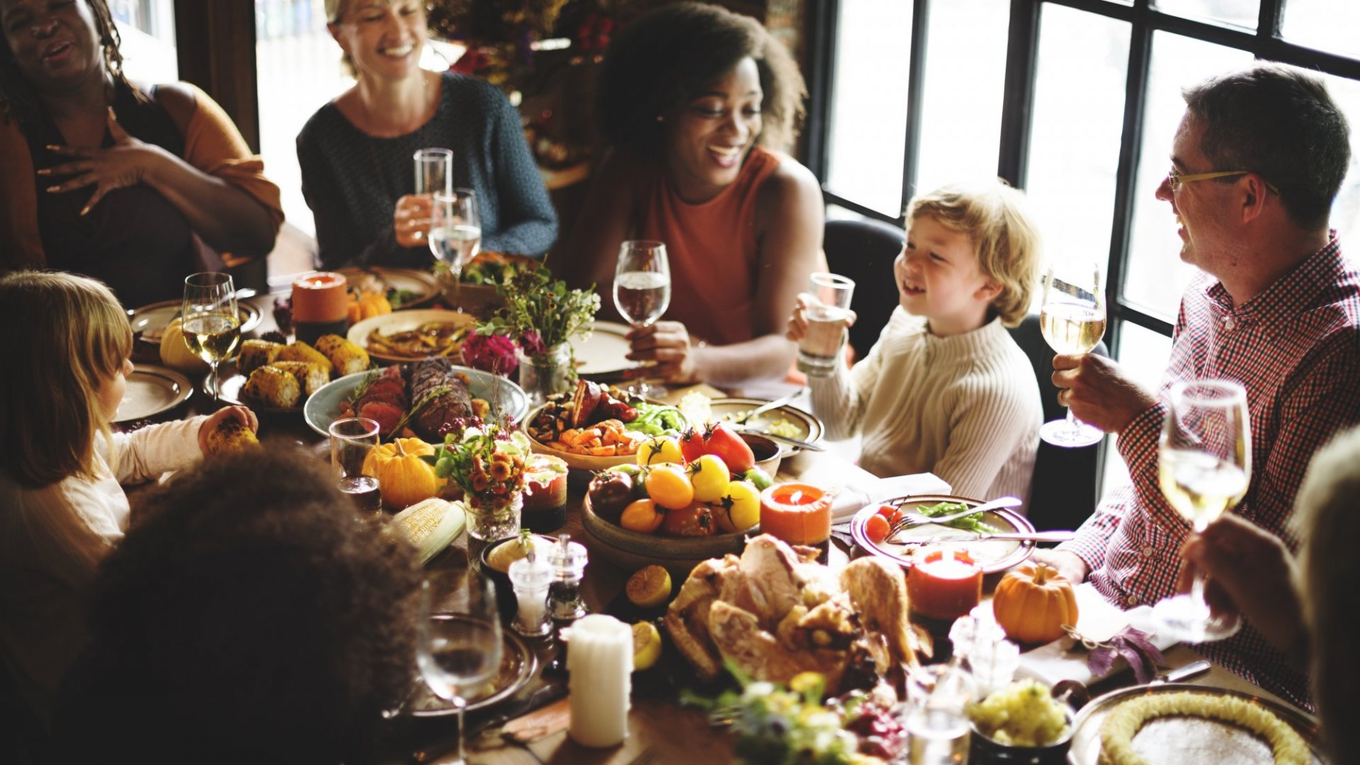 45 Conversation Starters for the Thanksgiving Table