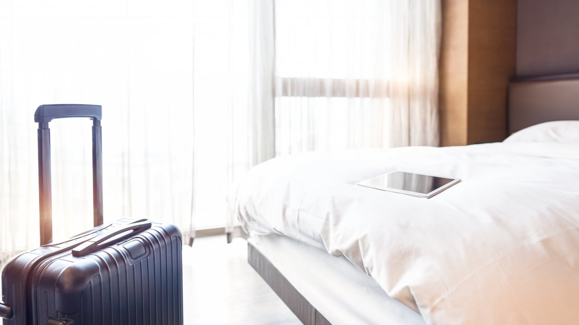How to Stay Productive When You're Cooped Up in a Hotel Room
