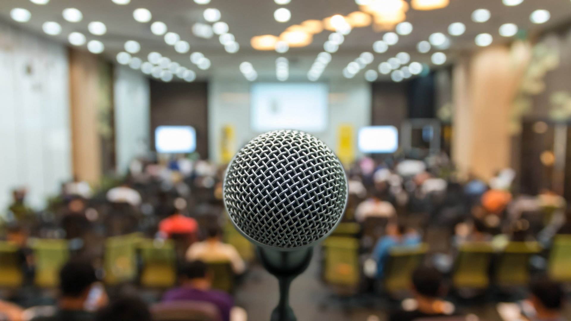 3 Tips for Public Speaking with Confidence, Even if You Don't Have Any