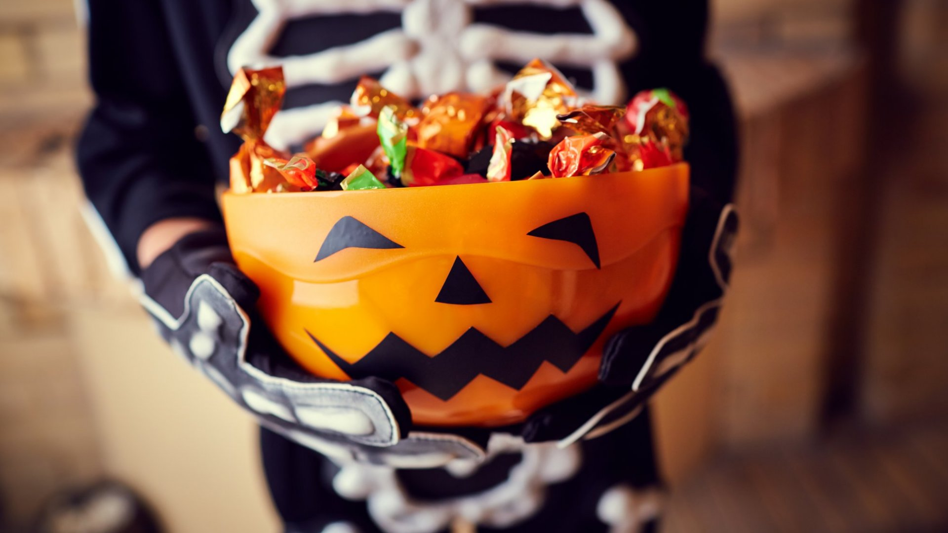 3 Tactics Candy-Obsessed Kids Use on Halloween That Can Make You a Stronger Leader