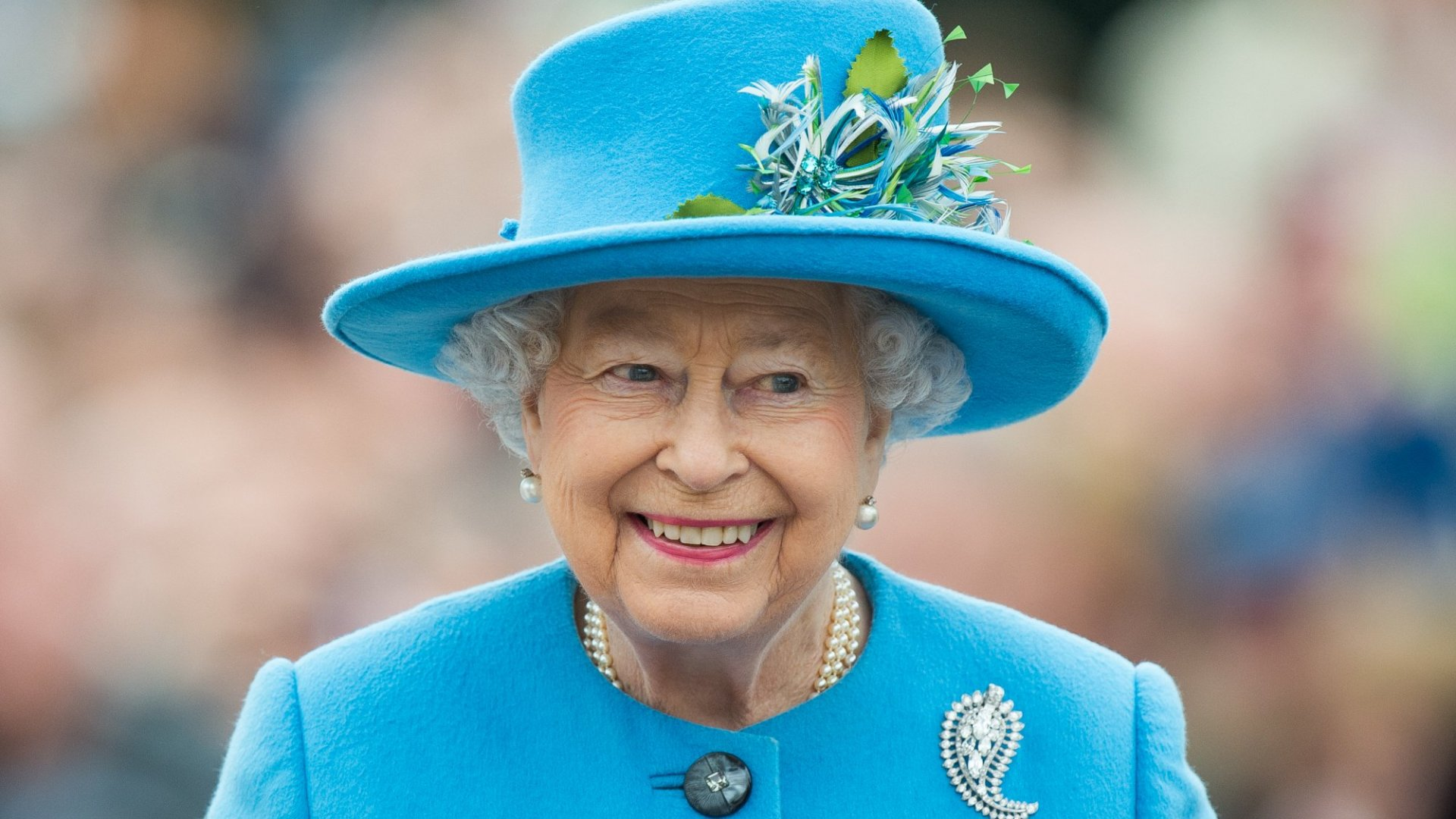 Queen Elizabeth Shows How a True Leader Reacts to Criticism