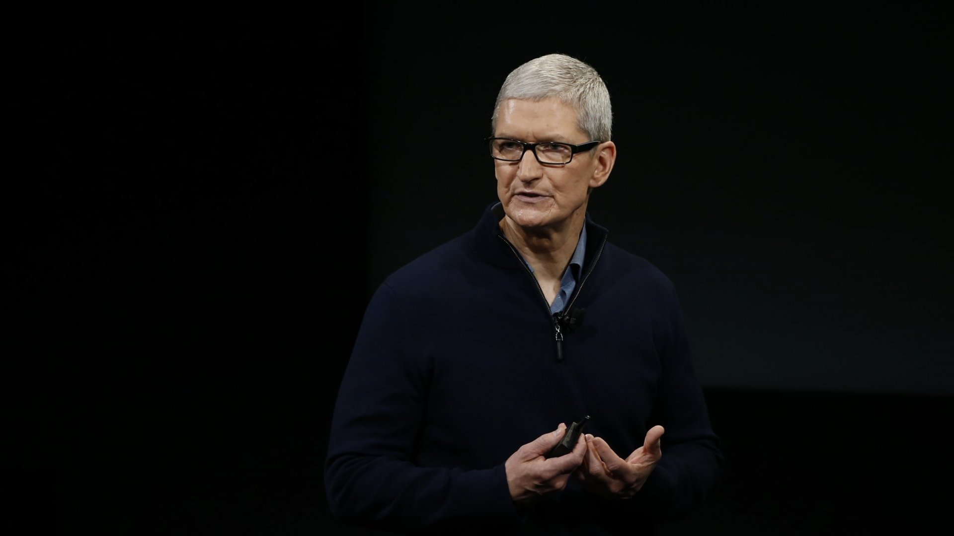 How Apple CEO Tim Cook Spends His Estimated $625 Million Fortune