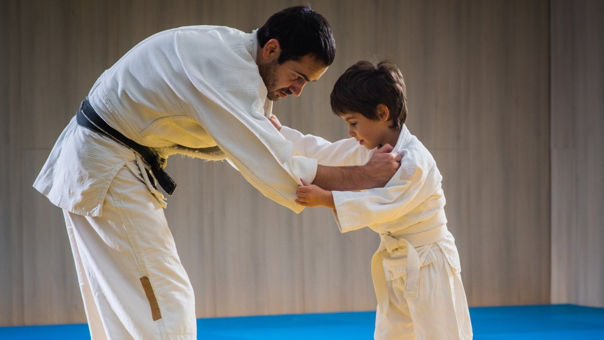 Use This Judo Strategy to Turn a Big Competitor's Strength Into Its Weakness