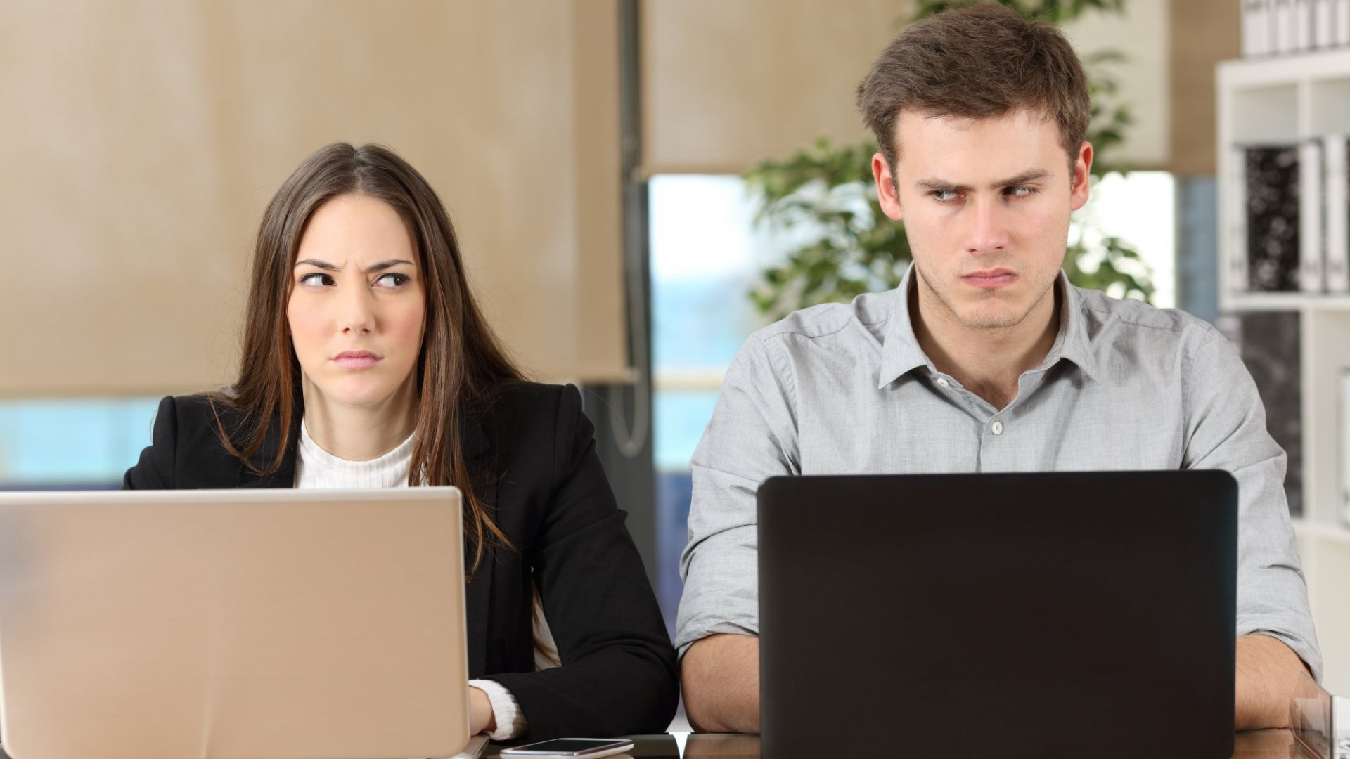 Read These 5 Steps Before Speaking With a Hostile Colleague